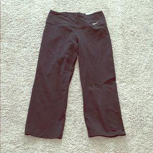 NIKE black Capri leggings